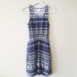 Levi's dress blue & with patterned white pockets S